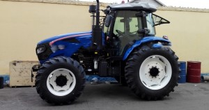 130hp 4WD big tractor farm machinery