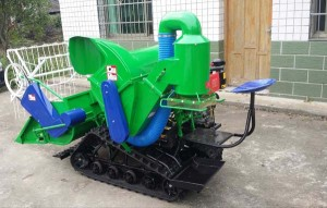Crawler Type Mini Harvester, Mini Combine Harvester, Wheat Rice Harvester